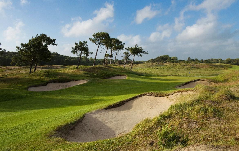 golf-expedition-golf-reizen-frankrijk-regio-pas-de-calais-hotel-barriere-le-westminster-golfbaan-met-bunker.jpg