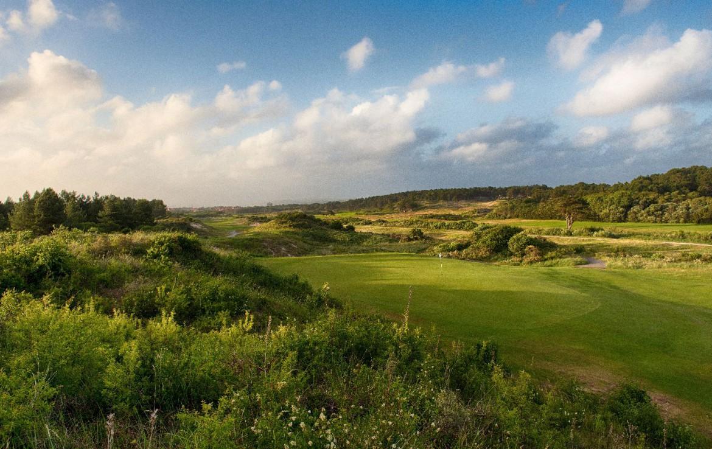 golf-expedition-golf-reizen-frankrijk-regio-pas-de-calais-hotel-barriere-le-westminster-golfbaan-met-landschap.jpg
