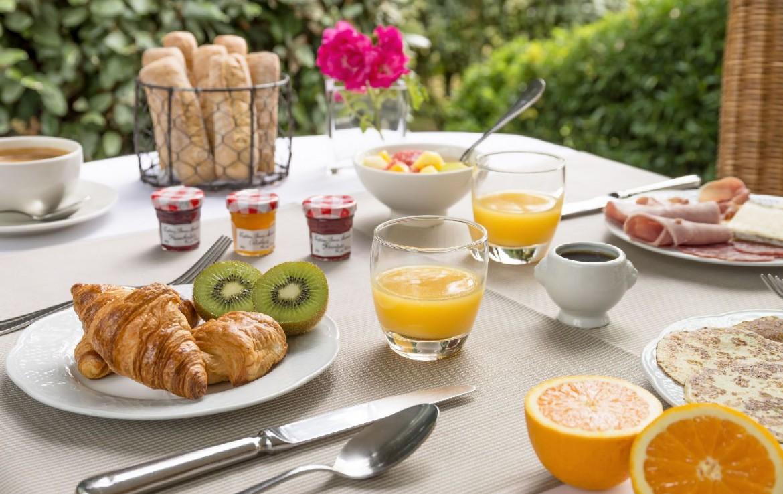 golf-expedition-golf-reizen-frankrijk-regio-pas-de-calais-hotel-cléry-ontbijt.jpg