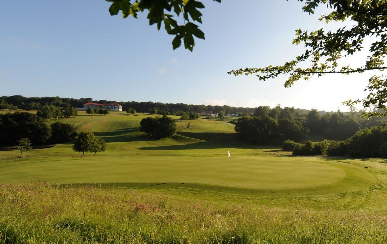 golf-expedition-golf-reizen-frankrijk-regio-pas-de-calais-hotel-du-golf-aa-de-saint-omer-golfbaan-met-landschap.jpg