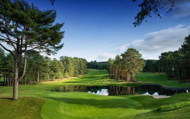 golf-expedition-golf-reizen-frankrijk-regio-pas-de-calais-hotel-du-parc-bomen-golfbaan-green.jpg