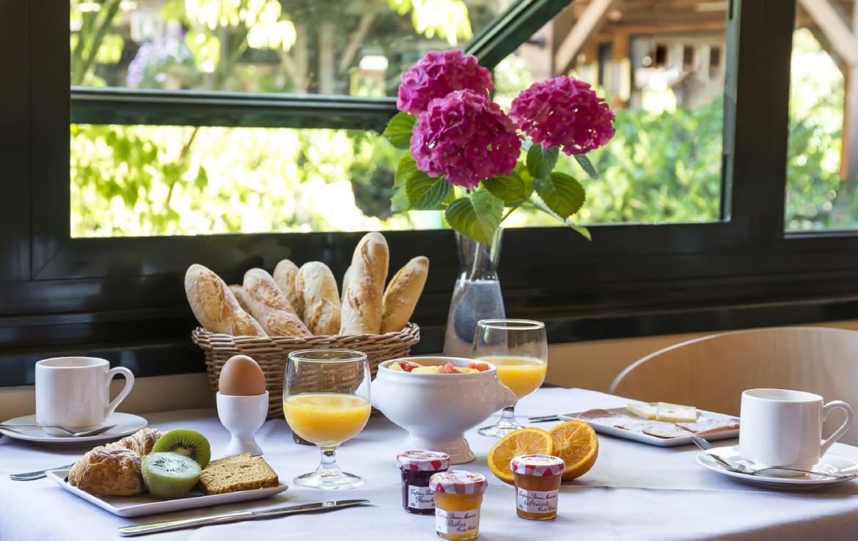 golf-expedition-golf-reizen-frankrijk-regio-pas-de-calais-hotel-du-parc-frans-ontbijt.jpg