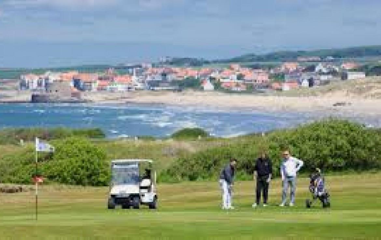 golf-expedition-golf-reizen-frankrijk-regio-pas-de-calais-hotel-du-parc-golfers-op-golfbaan-green-zee.jpg
