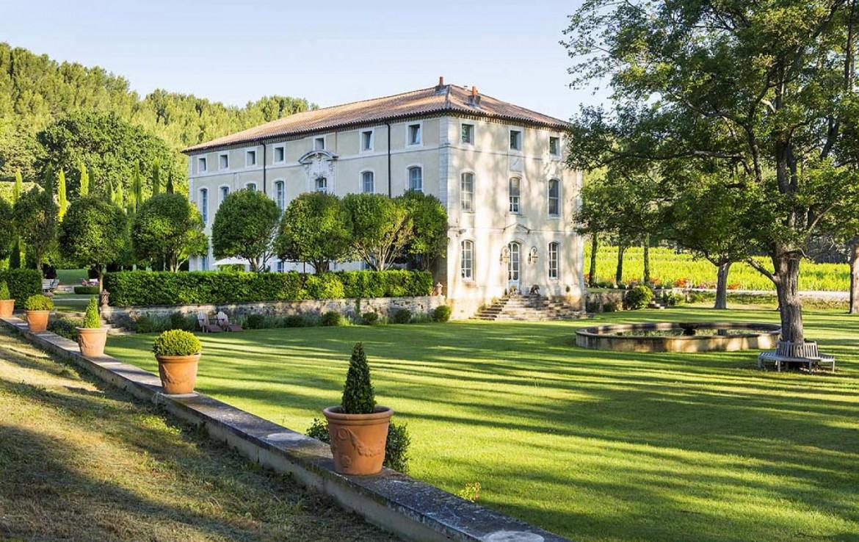 golf-expedition-golf-reizen-frankrijk-regio-provence-chateau-talaud-entree-luxe-resort-grasveld.jpg