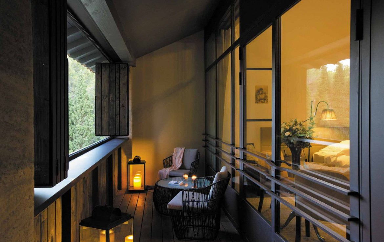 golf-expedition-golf-reizen-frankrijk-regio-provence-domaine-de-manville-balkon-met-slaapkamer.jpg