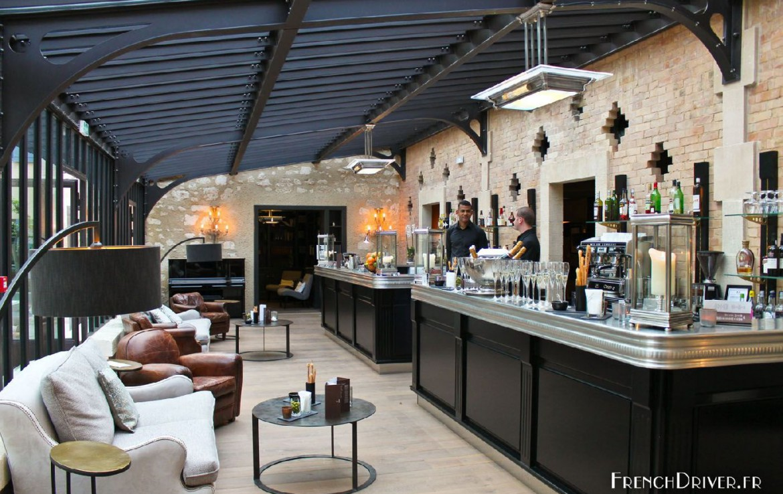golf-expedition-golf-reizen-frankrijk-regio-provence-domaine-de-manville-bar.jpg