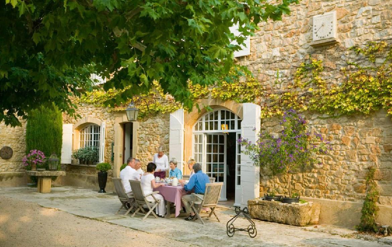 golf-expedition-golf-reizen-frankrijk-regio-provence-domaine-les-serres-lunchen.jpg