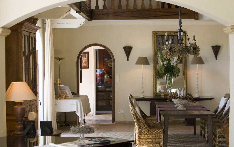 golf-expedition-golf-reizen-frankrijk-regio-provence-domaine-les-serres-luxe-appartement-met-woonruimte-en-bovenverdieping.jpg