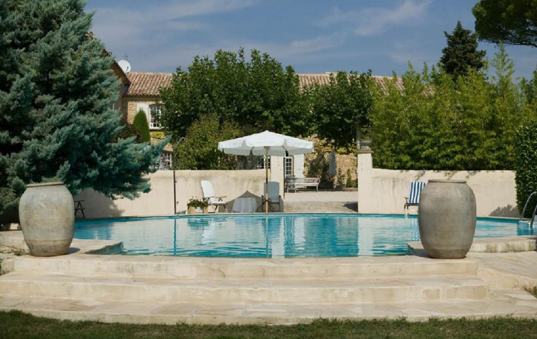golf-expedition-golf-reizen-frankrijk-regio-provence-domaine-les-serres-luxe-zwembad.jpg