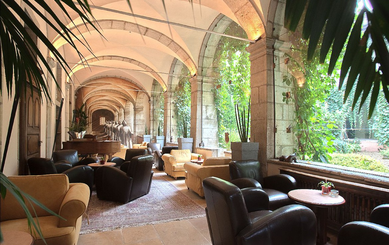 golf-expedition-golf-reizen-frankrijk-regio-rhone-alpes-abbaye-de-talloires-lobby-lounge.jpg