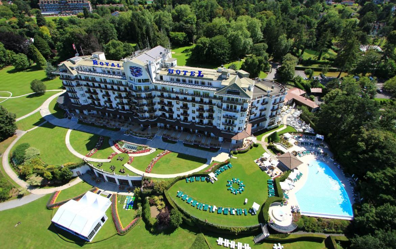 golf-expedition-golf-reizen-frankrijk-regio-rhone-alpes-evian-royal-resort-drone-hotel.jpg