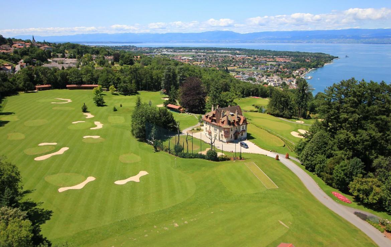 golf-expedition-golf-reizen-frankrijk-regio-rhone-alpes-evian-royal-resort-drone-overzicht-golfbaan.jpg