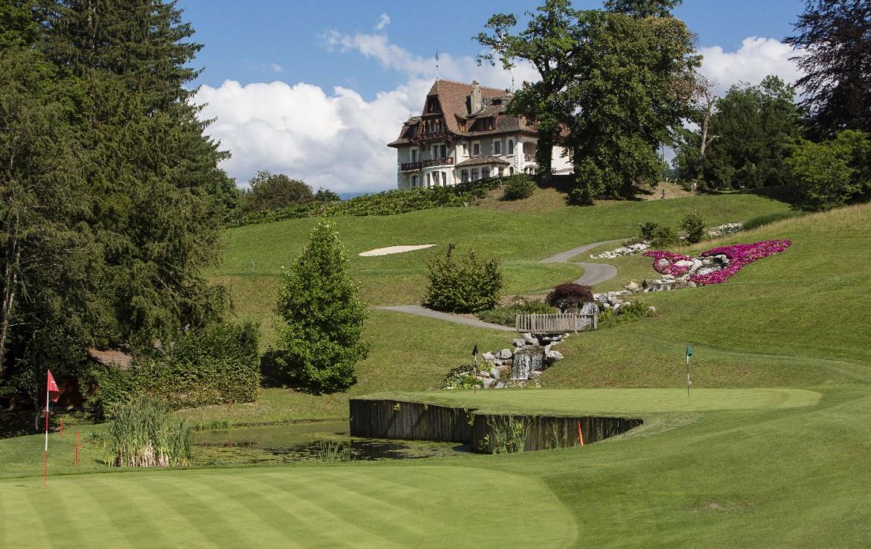 golf-expedition-golf-reizen-frankrijk-regio-rhone-alpes-evian-royal-resort-golf-academie-green-golfbaan.jpg