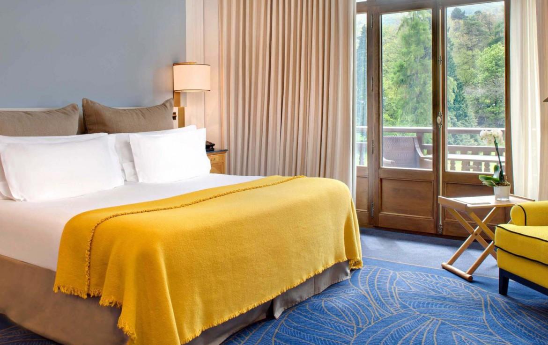 golf-expedition-golf-reizen-frankrijk-regio-rhone-alpes-evian-royal-resort-slaapkamer-met-balkon.jpg