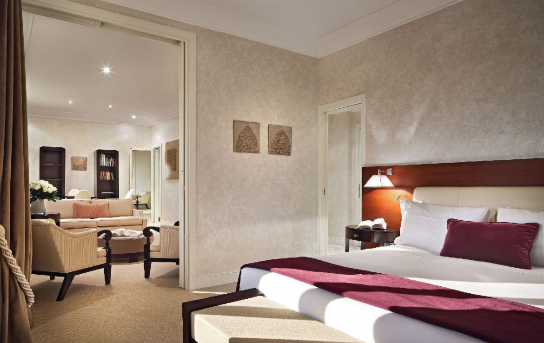 golf-expedition-golf-reizen-italie-toscane-terme-di-saturnia-spa-en-golf-resort-grote-slaapkamer-met-woonruimte.jpg