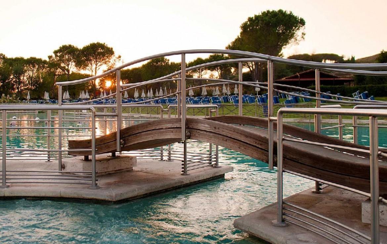 golf-expedition-golf-reizen-italie-toscane-terme-di-saturnia-spa-en-golf-resort-zwembad.jpg
