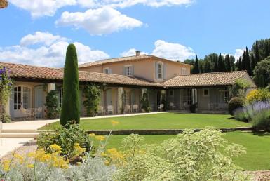 golf-expedition-golf-reizen-regio-provence-Mas-De-L'Ouilivé-appartementen-grasveld