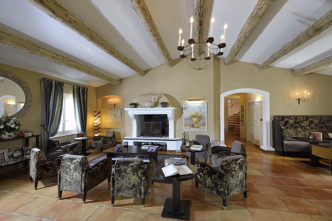 golf-expedition-golf-reizen-regio-provence-Mas-De-L'Ouilivé-stijlvolle-lounge
