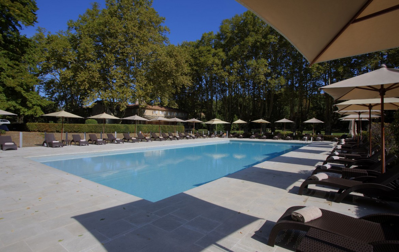 golf-expedition-golf-reizen-regio-provence-Moulin-de-vernegues-luxe-buiten-zwembad
