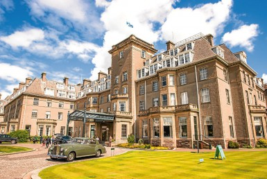 golf-expedition-golf-reizen-schotland-regio-edinburgh-gleneagles-golf-resort-entree-vooruitzicht.jpg