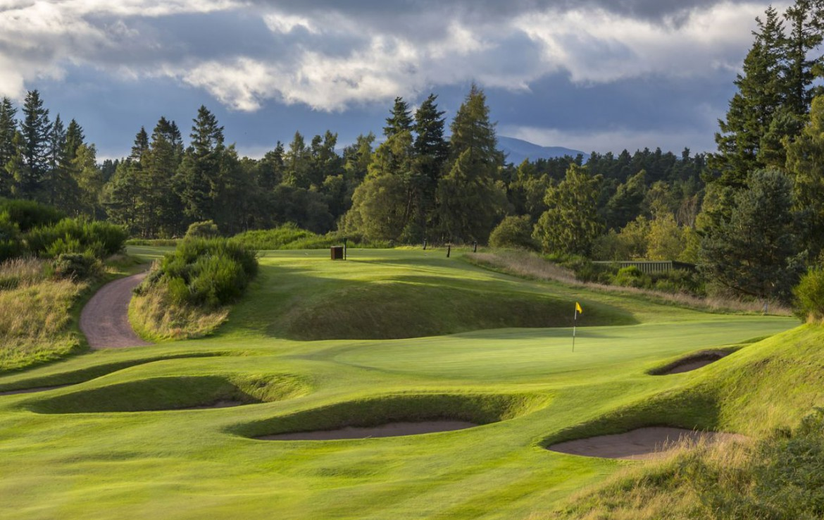 golf-expedition-golf-reizen-schotland-regio-edinburgh-gleneagles-golf-resort-golfbaan-bunkers-bergen.jpg