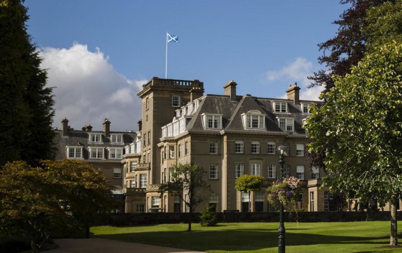 golf-expedition-golf-reizen-schotland-regio-edinburgh-gleneagles-golf-resort-hotel-met-grasveld.jpg