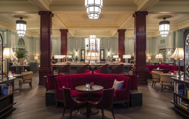 golf-expedition-golf-reizen-schotland-regio-edinburgh-gleneagles-golf-resort-luxe-bar-met-lounge.jpg