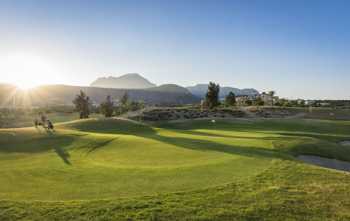 golf-expedition-golf-reizen-spanje-regio-alicante-melia-villaitana-golf-resort-golfbaan-green.jpg