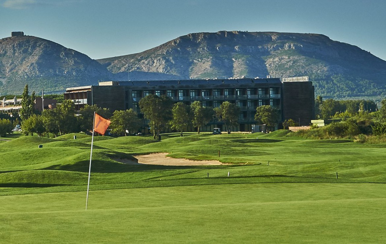 golf-expedition-golf-reizen-spanje-regio-girona-double-tree-hilton-golf-en-spa-resort-green-resort-bergen.jpg