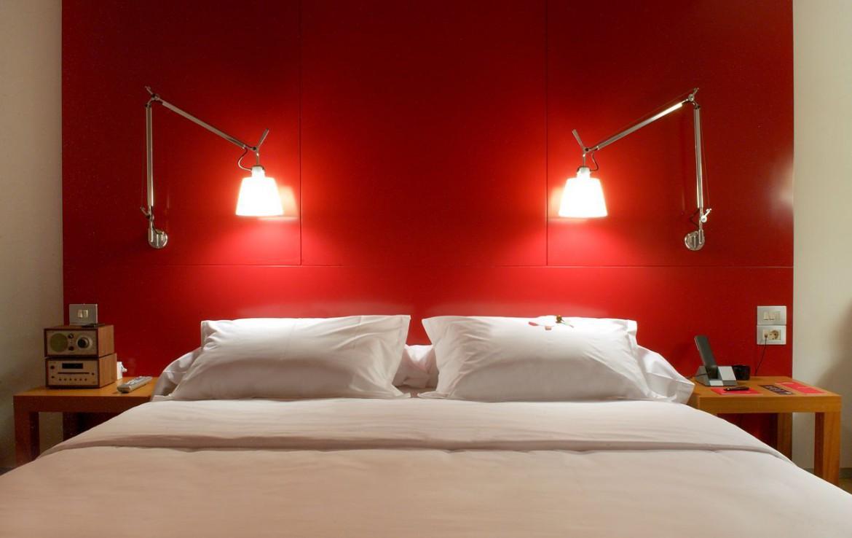 golf-expedition-golf-reizen-spanje-regio-girona-double-tree-hilton-golf-en-spa-resort-twee-persoon-slaapkamer-rood.jpg