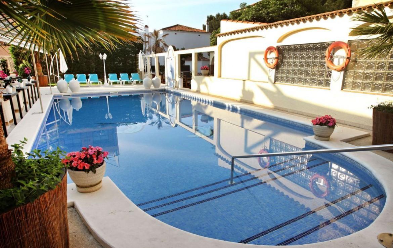 golf-expedition-golf-reizen-spanje-regio-girono-hotel-barcarola-hotel-met-zwembad.jpg