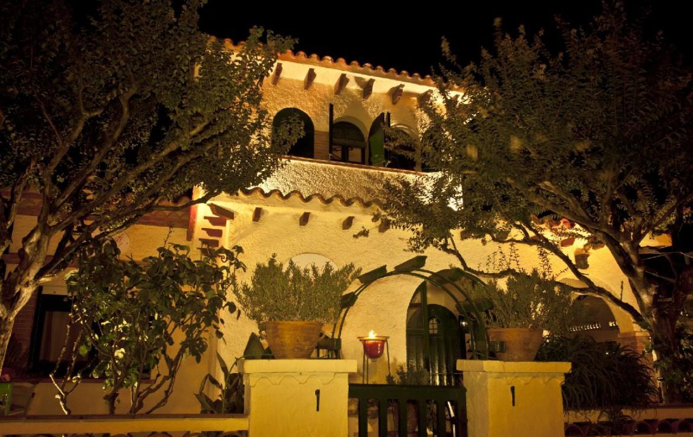 golf-expedition-golf-reizen-spanje-regio-girono-hotel-barcarola-resort-avond.jpg