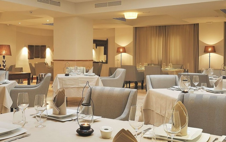 golf-expedition-golf-reizen-spanje-regio-malaga-vincci-estrella-del-mar-binnen-restaurant.jpg