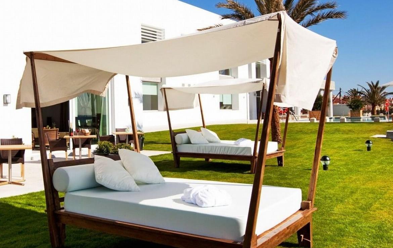 golf-expedition-golf-reizen-spanje-regio-malaga-vincci-estrella-del-mar-overdekt-ligbed-grasveld-resort.jpg