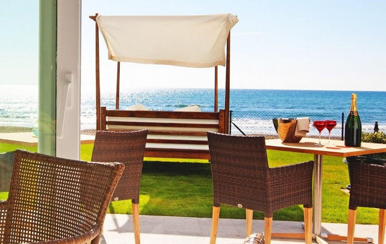 golf-expedition-golf-reizen-spanje-regio-malaga-vincci-estrella-del-mar-restaurant-met-lounge-uitzicht-zee.jpg