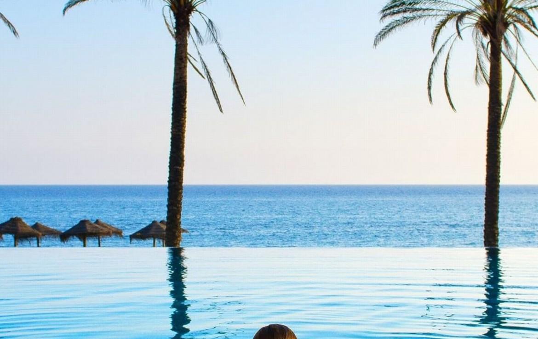 golf-expedition-golf-reizen-spanje-regio-malaga-vincci-estrella-del-mar-zwembad-uitzicht-op-zee.jpg