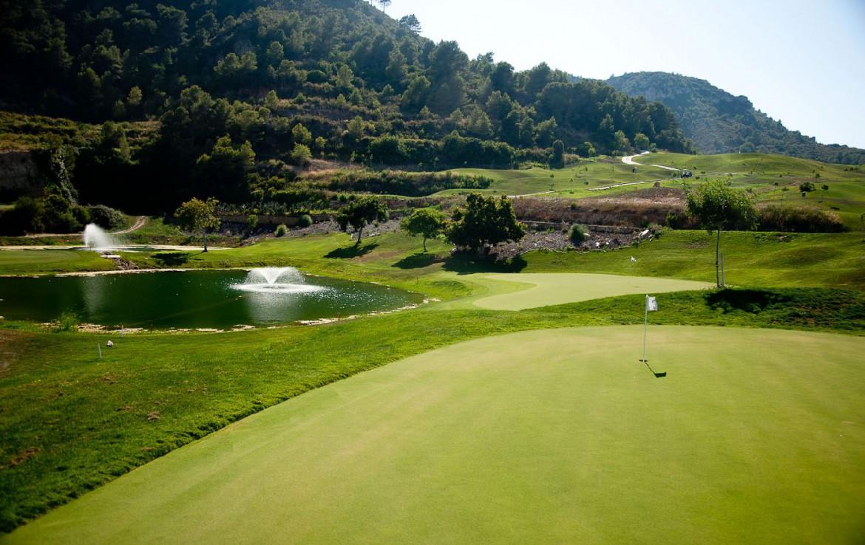 golf-expedition-golf-reizen-spanje-regio-valencia-parador-el-saler-golfbaan-green-fairway-bergen.jpg