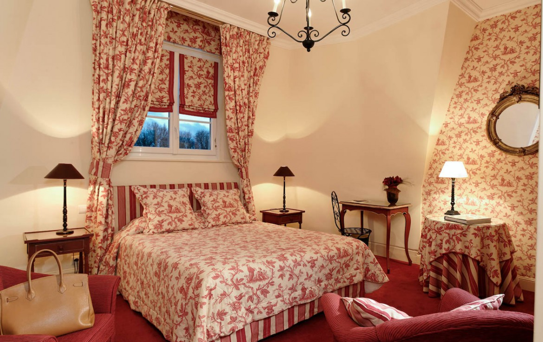 golf-expedition-golf-reizen-frankrijk-regio-pas-de-calais-chateau-tilques-slaapkamer
