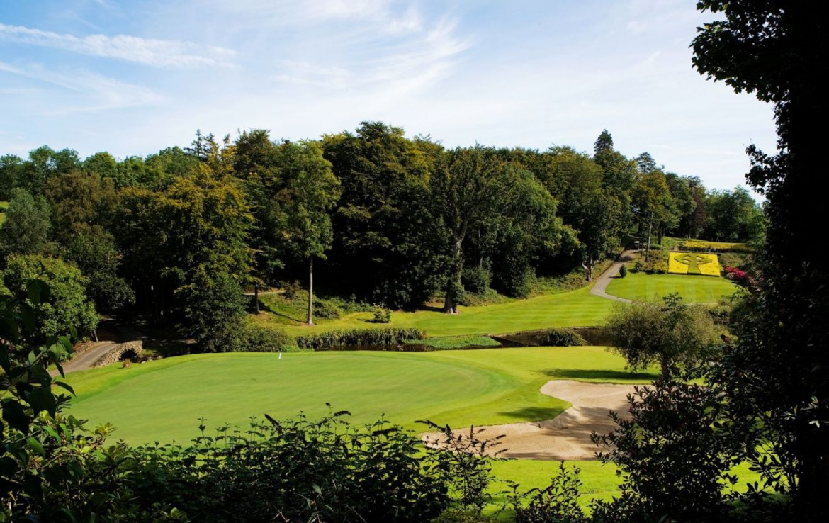 golf-expedition-golf-reizen-ierland-regio-dublin-druids-glen-golf-resort-golfbaan-green-bunker.jpg