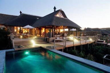 golf-expedition-golf-reizen-zuid-afrika-resort-met-zwembad-ligbedden.jpg