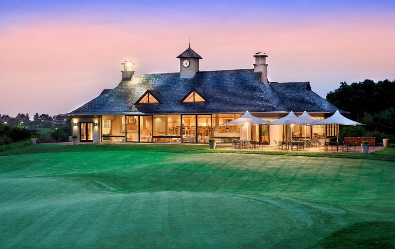 golf-expedition-golf-reizen-zuid-afrika-villa-avond-grasveld-golfbaan.jpg
