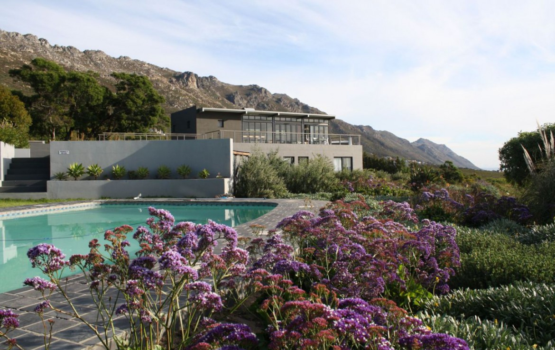 golf-expedition-golf-reizen-zuid-afrika-zwembad-tuin-hotel.jpg